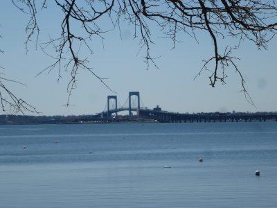 New York, chicche: City Island, Bronx, collegamento con la terraferma
