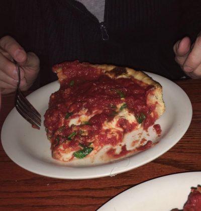 Chicago, deep dish pizza alla Pizzeria Uno