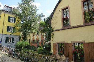 Tour di 9 giorni in Germania: una via del centro di Friburgo